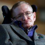 スティーブン・ホーキング博士が死去 車椅子の天才物理学者 宇宙へ逝く